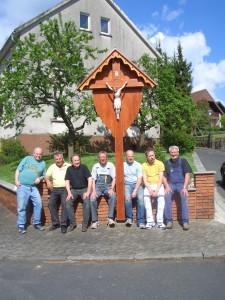 2010-05---WegeKreuz.Aufstllg.Friedh